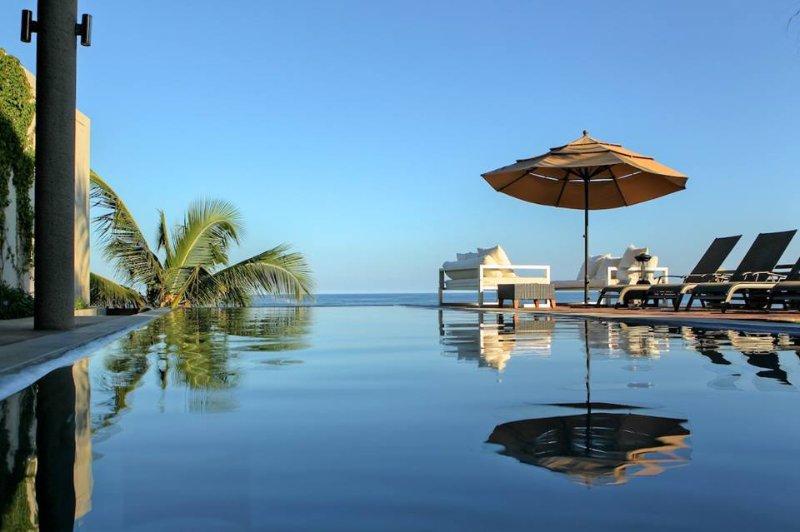 Villa Vidu, Contemporary Luxury on the Beach 3+3 - Image 1 - Huatulco - rentals