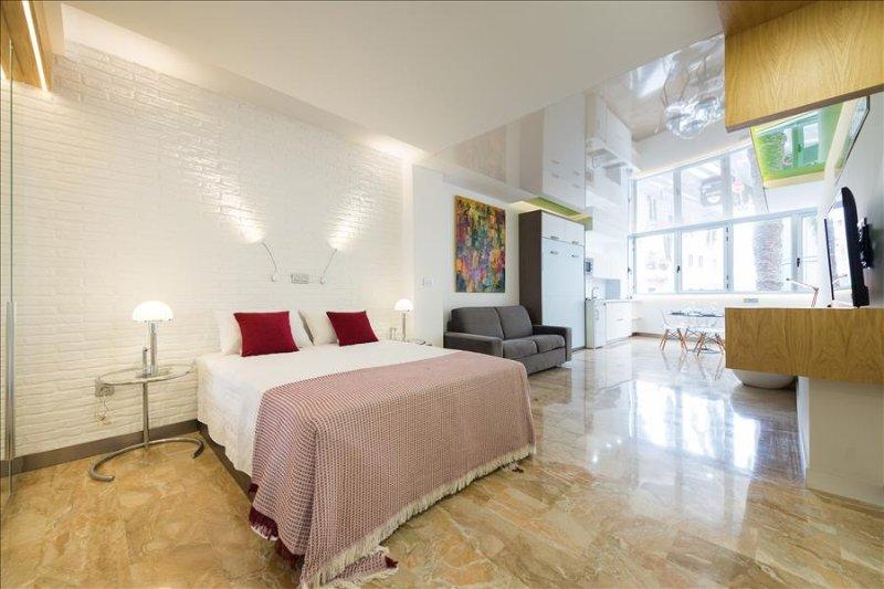 Suites Garden 8 Loft Kandinsky - Image 1 - Las Palmas de Gran Canaria - rentals