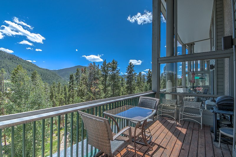 deck view - Outstanding View-Hot Tub- Elevator-Quiet - Keystone - rentals