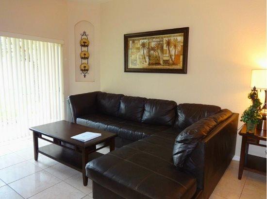 3 Bedrooms 3 Bath Regal Palms Resort Town House. 131LMS - Image 1 - Davenport - rentals