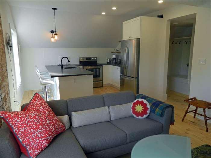 Lake Street Loft - Image 1 - Picton - rentals