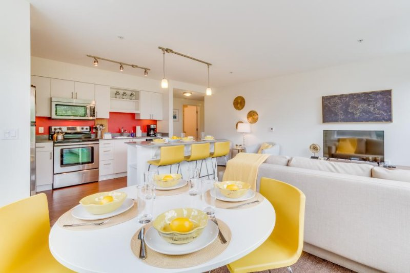 Modern, dog-friendly condo with a rooftop deck & gym - walk to Seattle Center! - Image 1 - Seattle - rentals
