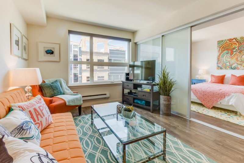 Modern and well-appointed Queen Anne condo w/ rooftop deck & gym - dogs OK! - Image 1 - Seattle - rentals