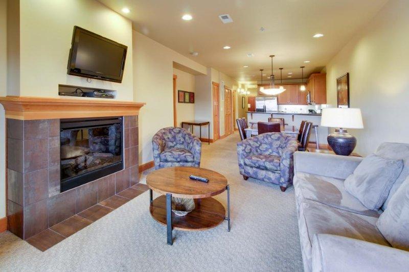 Family-friendly condo near Lake Chelan; great amenities! - Image 1 - Chelan - rentals