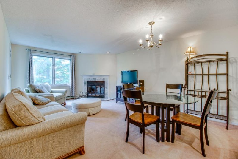 Ski-in/ski-out Pico Mountain condo with access to a shared pool & gym! - Image 1 - Killington - rentals