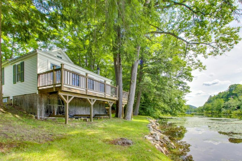 Quaint lakefront home with a private deck, firepit, and dock! - Image 1 - Ludlow - rentals