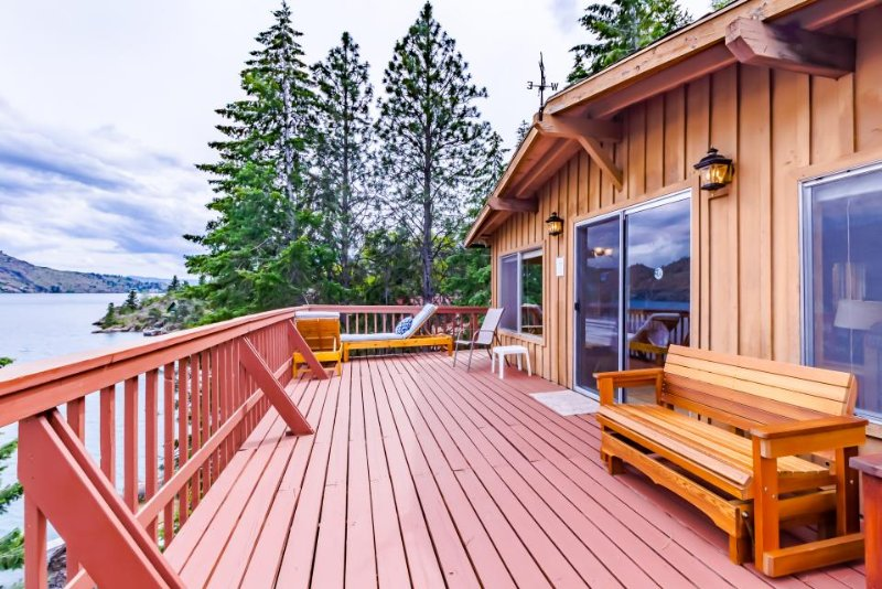 Dog-friendly lakefront rustic cabin for 8 w/ dock and incredible views! - Image 1 - Manson - rentals