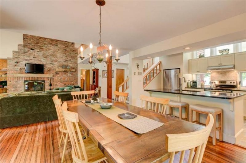 Elegant home near Stratton Mountain with a shared pool, hot tub & gym! - Image 1 - Bondville - rentals