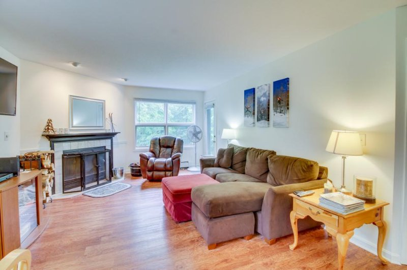 Ski-in/Ski-out condo w/ shared indoor heated pool & entertainment! - Image 1 - Killington - rentals