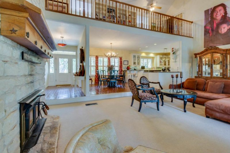 Magnificent riverfront home on 5 acres w/ pool & hot tub - Image 1 - Spicewood - rentals