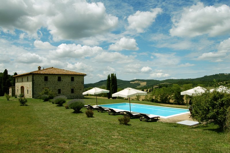 Villa le Ginepraie Excellent Vacation Rental in Tuscany - Image 1 - Volterra - rentals