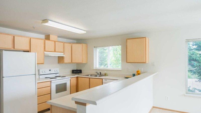 Gorgeous 3 Bedroom Apartment - Image 1 - Mill Creek - rentals