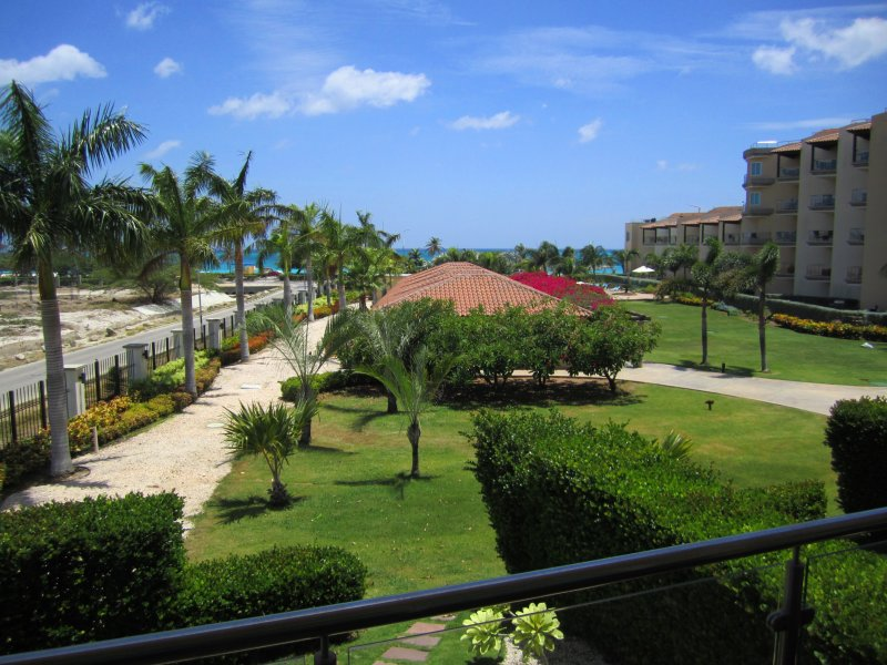 a Great Ocean garden View... - Aqua Vista Three-Bedroom Condo - P211 - Eagle Beach - rentals