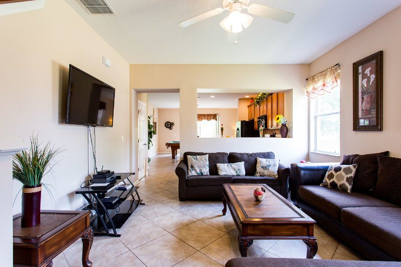 Living Room - ****New townhouse 1 mile from the Parks - Kissimmee - rentals