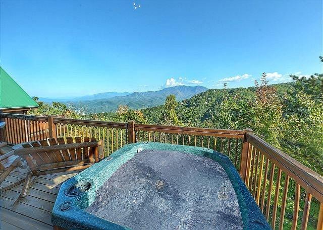 3BR Gatlinburg Cabin w/ Incredible Views! Sleeps 12. Summer from $179! - Image 1 - Gatlinburg - rentals