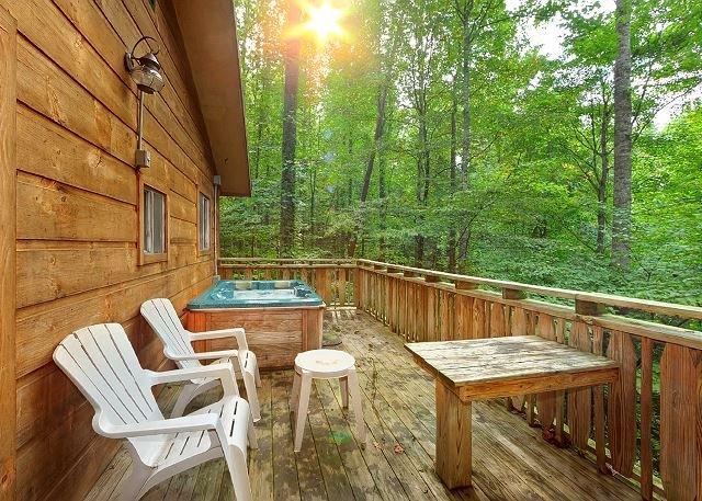 3BR Gatlinburg Cabin w/ Hot Tub & Great Location! Summer Special from $99! - Image 1 - Gatlinburg - rentals