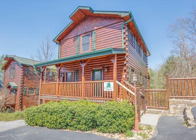 4BR Gatlinburg Cabin w/ Hot Tub, & More! Sleeps 18. Summer Special from $189! - Image 1 - Gatlinburg - rentals