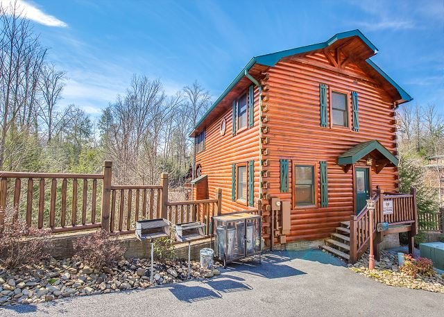 SUMMER FROM $229!!! 5BR Gatlinburg Cabin with Theater Room. Sleeps 18. - Image 1 - Gatlinburg - rentals