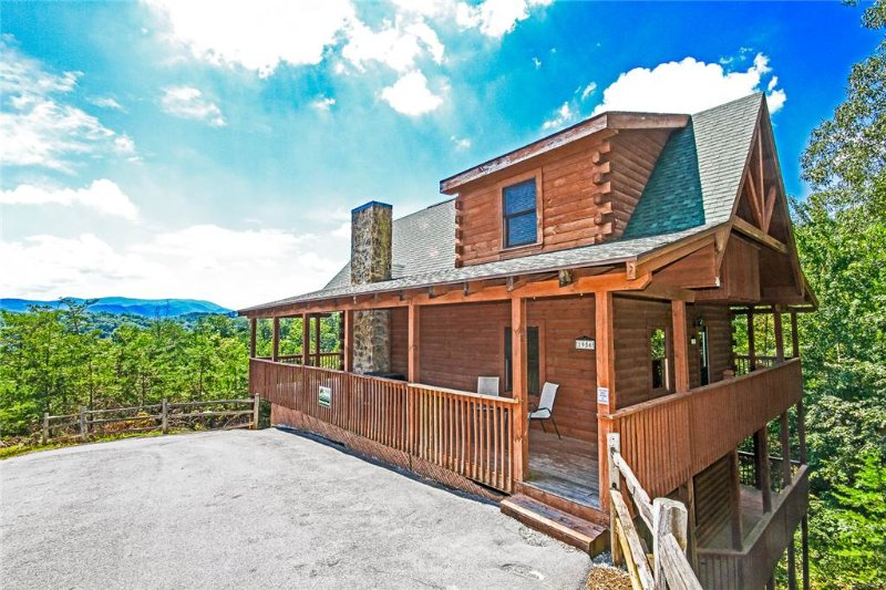 Harrison's Hideout - Image 1 - Pigeon Forge - rentals