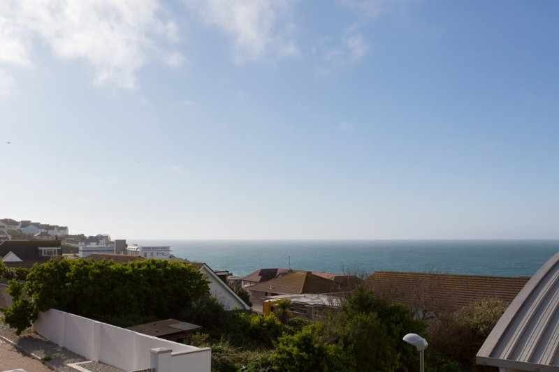 9 Ocean 1 located in Newquay, Cornwall - Image 1 - Newquay - rentals