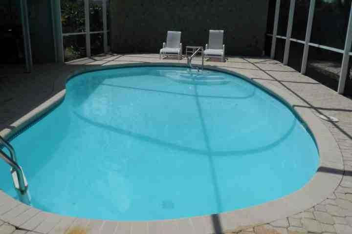 Large Private backyard and pool - Spacious Fort Myers Retreat - Fort Myers - rentals
