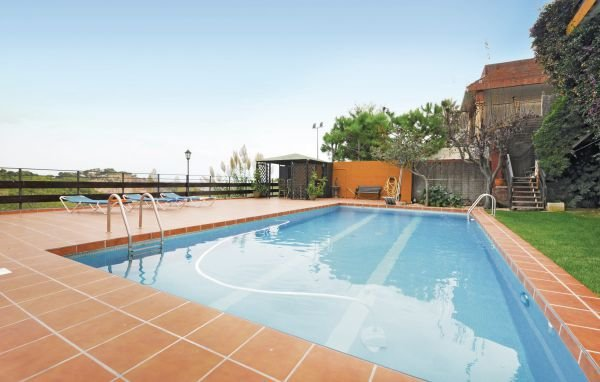6 bedroom Villa in Castelldefels, Catalonia, Barcelona, Spain : ref 2090784 - Image 1 - Castelldefels - rentals