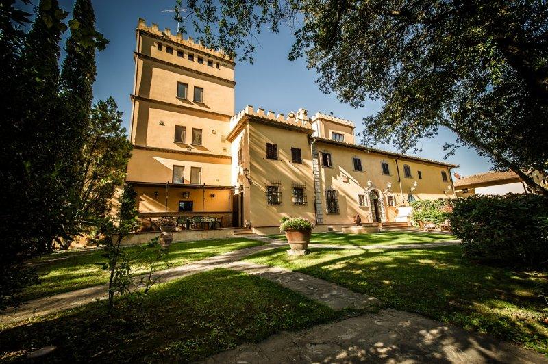 4 bedroom Villa in Empoli, Florentine Hills, Arno Valley, Italy : ref 2135304 - Image 1 - Empoli - rentals