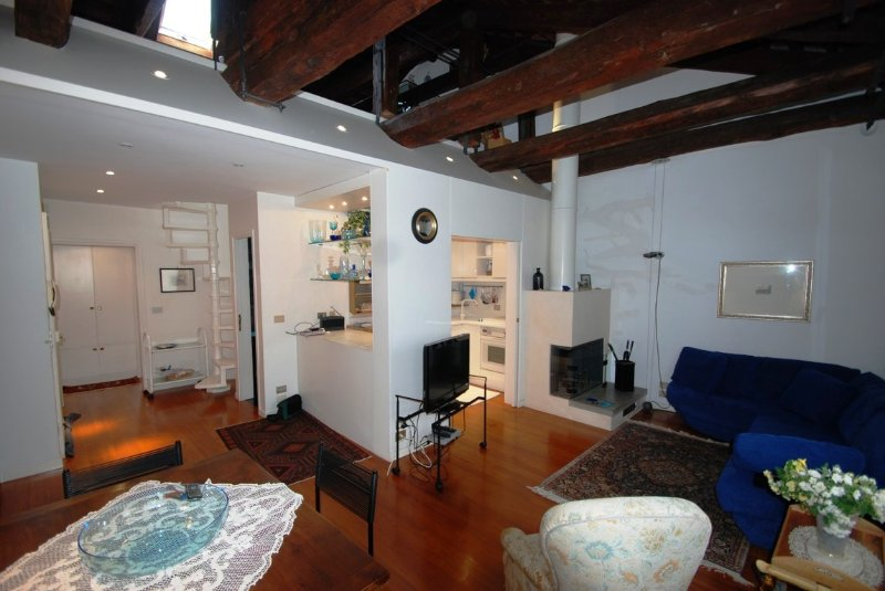 2 bedroom Apartment in Venezia, Venice, Veneto, Italy : ref 2135428 - Image 1 - Veneto - Venice - rentals