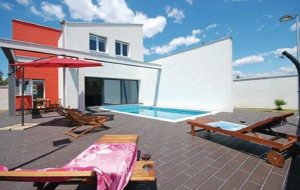 4 bedroom Villa in Nin-Vrsi Mulo, Nin, Croatia : ref 2183763 - Image 1 - Vrsi - rentals