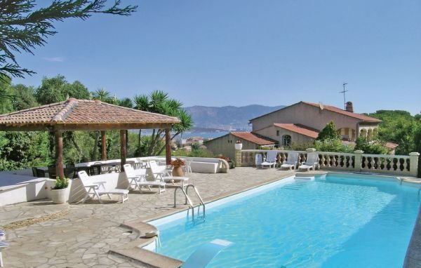 5 bedroom Apartment in La Seyne Sur Mer, Var, France : ref 2184327 - Image 1 - La Seyne-sur-Mer - rentals