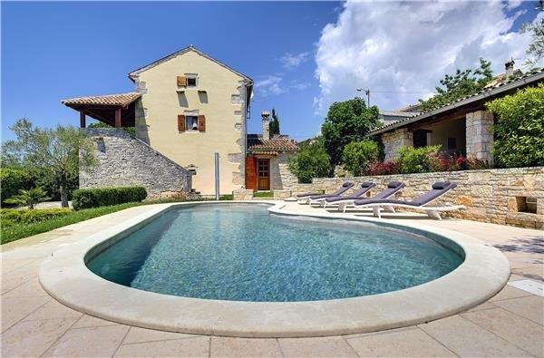 4 bedroom Villa in Barban, Istria, Pacici, Croatia : ref 2210070 - Image 1 - Glavani - rentals