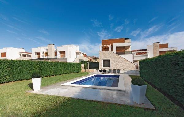 3 bedroom Villa in Porec-Vabriga, Porec, Croatia : ref 2219521 - Image 1 - Tar - rentals