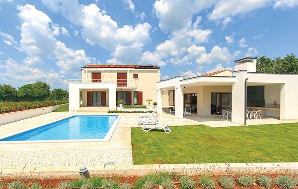 4 bedroom Villa in Svetvincenat-Stokovci, Svetvincenat, Croatia : ref 2219530 - Image 1 - Bibici - rentals