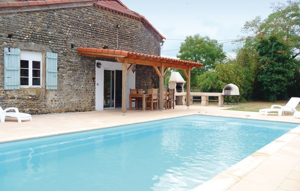 6 bedroom Villa in Tasque, Gers, France : ref 2221127 - Image 1 - Tasque - rentals