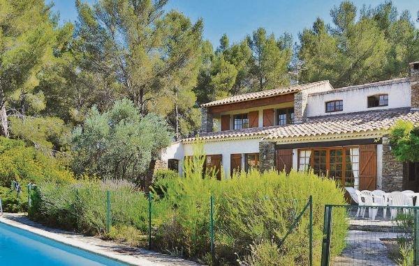 4 bedroom Villa in Le Beausset, Var, France : ref 2221038 - Image 1 - Le Beausset - rentals