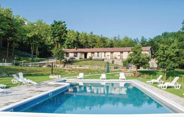 8 bedroom Villa in Badia Tedalda, Arezzo / Cortona And Surroundings, Italy - Image 1 - Badia Tedalda - rentals