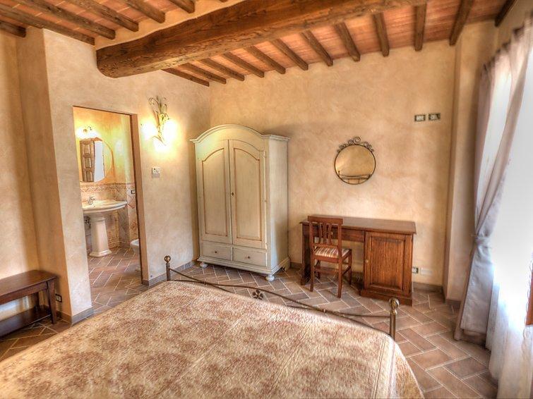 5 bedroom Villa in Civitella in val di Chiana, Arezzo, Italy : ref 2235768 - Image 1 - Civitella in Val di Chiana - rentals