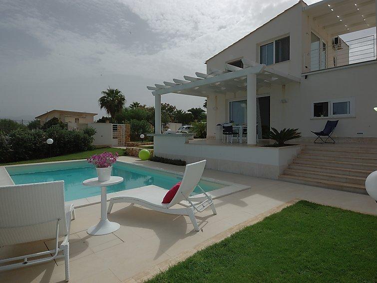 3 bedroom Villa in Alcamo Marina, Sicily, Italy : ref 2243269 - Image 1 - Alcamo - rentals