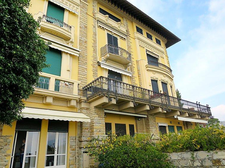 3 bedroom Apartment in Santa Margherita Ligure, Liguria Riviera Levante & Cinque Terre, Italy : ref 2253653 - Image 1 - Santa Margherita Ligure - rentals