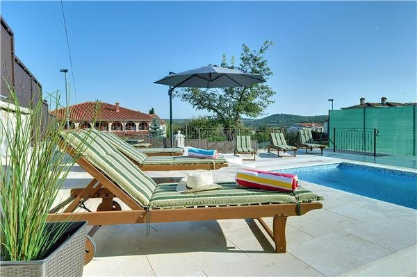 4 bedroom Villa in Rovinjsko Selo, Istria, Croatia : ref 2262961 - Image 1 - Rovinjsko Selo - rentals