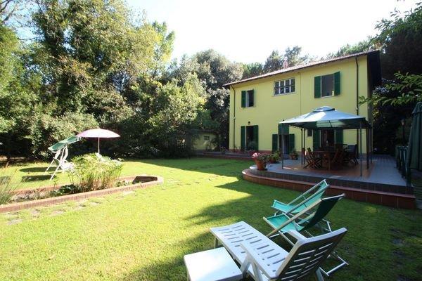 5 bedroom Villa in Marina Dei Ronchi, Tuscany, Italy : ref 2268980 - Image 1 - Poveromo - rentals