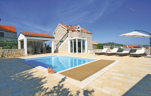 3 bedroom Villa in Murter-Betina, Island Of Murter, Croatia : ref 2277047 - Image 1 - Betina - rentals