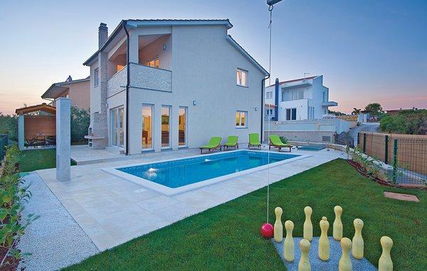 3 bedroom Villa in Medulin-Pomer, Medulin, Croatia : ref 2277612 - Image 1 - Medulin - rentals