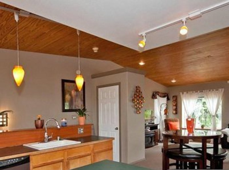 Furnished 2-Bedroom Home at 23rd Ave & E Marion St Seattle - Image 1 - Seattle - rentals