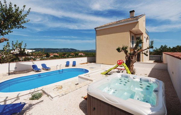 5 bedroom Villa in Biograd-Drage, Biograd, Croatia : ref 2278080 - Image 1 - Drage - rentals