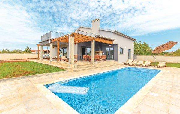 4 bedroom Villa in Pula-Skatari, Pula, Croatia : ref 2278337 - Image 1 - Pula - rentals
