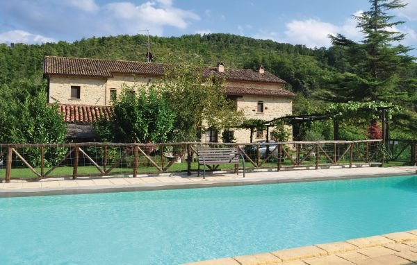 7 bedroom Villa in Monte S.Maria Tiberina, Perugia And Surroundings, Italy : ref 2279859 - Image 1 - Monte Santa Maria Tiberina - rentals