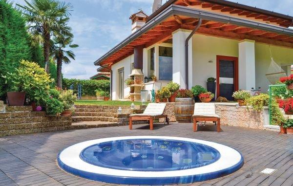 3 bedroom Villa in Lazise-Garda, Lake Garda, Italy : ref 2280065 - Image 1 - Lazise - rentals