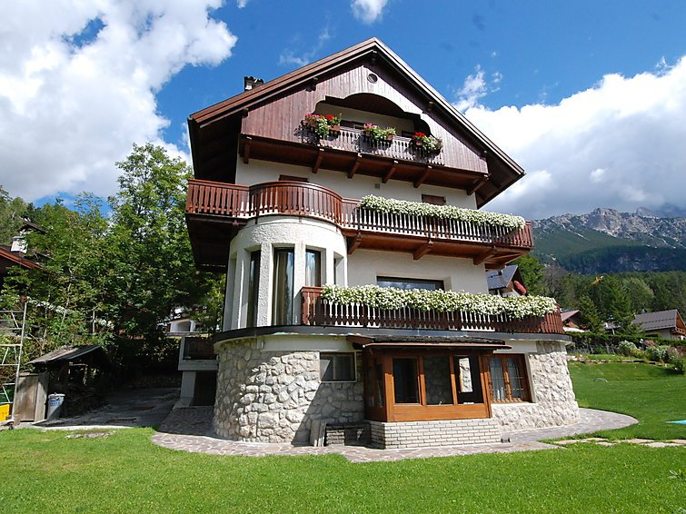 4 bedroom Apartment in Cortina d Ampezzo, Dolomites, Italy : ref 2284767 - Image 1 - Cortina D'Ampezzo - rentals