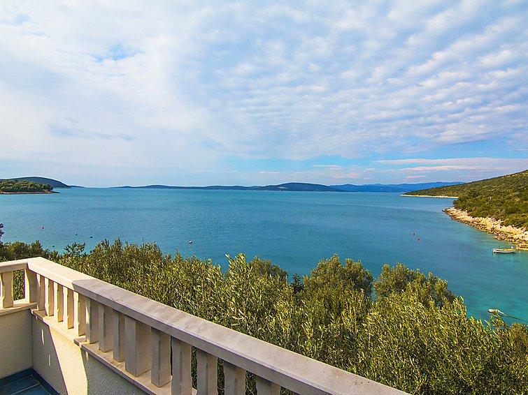 7 bedroom Villa in Solta Maslinica, Central Dalmatia Islands, Croatia : ref 2285541 - Image 1 - Maslinica - rentals